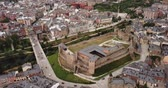 歴史的価値のある : Aerial view of ancient Templar castle in small Spanish city of Ponferrada on background of modern cityscape 動画素材