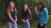 pateta : Three lovely teenage girls dance and have fun together in slow motion Vídeos
