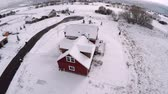 telhados : an aerial view of a country house after a snow storm