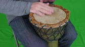 бить : Green Screen A Man Playing a Wood Drum