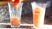 banány : smoothie in two glasses