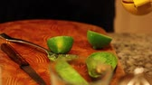 bell pepper ring : slicing a lime for salad