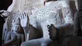 buddhismus : the yungang grottoes in datong where buddhist sculptures can be found in caves.  now one of the unesco world heritage sites. Dostupné videozáznamy