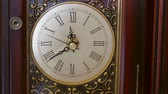 contagem regressiva : Cool antique clocks hands rotate with time