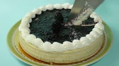 ягода : Black Berry Cheesecake Cutting Serving and Eating Sequence.