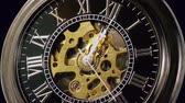cep : Pocketwatch Timelapse Zoom Out (HD). Timelapse 7 minutes of a pocketwatch striking 12