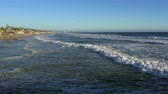 Oceanside Beach Wide View From Midden Van Pier, Grote Swell Waves 4k Stockvideo