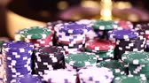 wijnen : Casino roulette wheel, Poker Chips Stockvideo