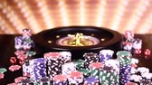 Casino Poker Chips und Roulette Stock Footage