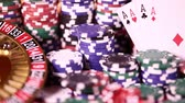 Casino roulettewiel, pokerspaanders Stockvideo