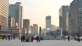 Seoul, Korea - December 9, 2015: Admiral Yi Sun-Shin statue at Gwanghwamun. The plaza is a public space on Sejongno and is historical significant as the location of royal administrative buildings. Dostupné videozáznamy