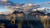 timelapse sunrise over mountains. Sun dawn on Italy Alps. Val dAosta Wideo