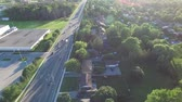 distante : Traffic Road Left Neighborhood Summer Bright Summer Day Stock Footage