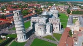 deixar : Approaching and leaving Miracles Square, aerial view of Pisa, Tuscany