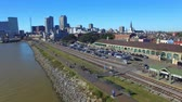 viagens de negócios : New Orleans homes and rail tracks, aerial city view Stock Footage