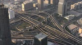 složitost : DUBAI, UAE - DECEMBER 2016: Aerial view of traffic intersections. Dubai suffers heavy car traffic
