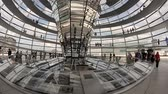 nowoczesne : BERLIN - JUNE 2013: People inside Bundestag dome. Berlin attracts 10 million people annually Wideo