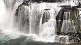 gardinen : Nieder Lewis River Falls in Skamania Grafschaft Washington Nahaufnahme 1920x1080 Stock Footage