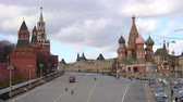bem aventurado : 4k Kremlin and Cathedral of Vasily the Blessed on Red Square (St Basils Cathedral Moscow). Summer day. Time lapse.