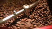 kávézó : roaster for roasting coffee. Roasting machine in the coffee house