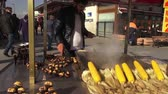 come : Seller chestnuts in the streets of Istanbul, 03.12.2016, Turkey, Ä°stanbul