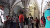 manchado : JERUSALEM, ISRAEL - September 25, 2017: Tourists visit the famous shrine - the place where the Last Supper was Vídeos