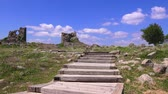 археология : Ruins of Pergamum of ancieny city, beautiful view in spring, Bergama, Turkey