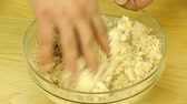 rántott : Preparation of dough from the bread crumbs