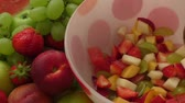 de baixa caloria : Healthy fruit salad in the glass bowl Stock Footage