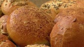 farinha integral : Different sorts of wholemeal breads and rolls, selective focus