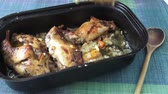 króliczek : Roasted rabbit leg. Dietary meat, flavored rabbit, baked with spices and vegetables Wideo