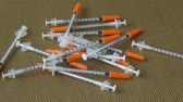 инъекционных : Insulin syringes for diabetes. Medical syringe. Many syringes Стоковые видеозаписи