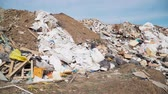 çöp : Big piles of garbage. Empty bottles, plastic in the waste dump. ecological disaster. environmental pollution