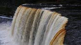 bystřina : Loop features water plunging over the brink of Tahquamenon Falls, a waterfall in Michigan Dostupné videozáznamy