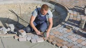 flagstone : Laying stone pavers master