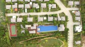 residência : aerial view of house in land development with good environmental real estate Stock Footage