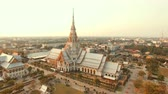 tajlandia : aerial view of wat sothorn temple in chachengsao province eastern of thailand important buddhist religion church landmark in thailand Wideo