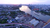 suspensão : aerial view of bhumibol 1,2 bridge important landmark of bangkok thailand capital in land transportation crossing chaopraya river