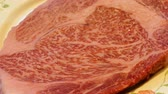 бифштекс : Delicious Japanese raw Wagyu Beef close up detail shoot Стоковые видеозаписи