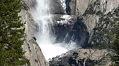 bergwandelen : The Famous Upper Yosemite Fall in Yosemite National Park rond februari