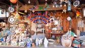 фарфор : San Diego, JUN 27:  decoration store in the historical old town on JUN 27, 2018 at San Diego, California Стоковые видеозаписи