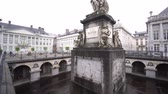 erfgoed : Brussel, 29 april: The beautiful Place Des Martyrs op 29 april 2018 in Brussel, België Stockvideo