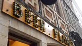 bruselas : Brussels, APR 29: Exterior view of the Beer Planet alcohol store on APR 29, 2018 at Brussels, Belgium Archivo de Video