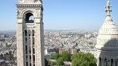 paryż : Aerial cityscape from the Basilica of the Sacred Heart of Paris in a sunny day Wideo
