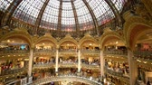 zakupy : Interior view of the famous Galeries La Fayette shopping mall on MAY 7, 2018 at France