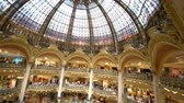 wnętrze : France, MAY 7: Interior view of the famous Galeries La Fayette shopping mall on MAY 7, 2018 at France