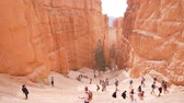 hiking trail : People walking the the beautiful Bryce Canyon National Park at Utah