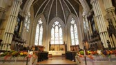 yukarıya bakıyor : Toronto, OCT 8: Interior view of the famous Cathedral Church of St. James on OCT 8, 2018 at Toronto, Canada Stok Video