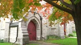 yukarıya bakıyor : Fall color of the St. James Anglican Church at Kingston, Canada