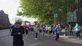 maraton : Dublin, OCT 28: Many people running in the 2018 KBC Dublin Marathon on OCT 28, 2018 at Dublin, Ireland